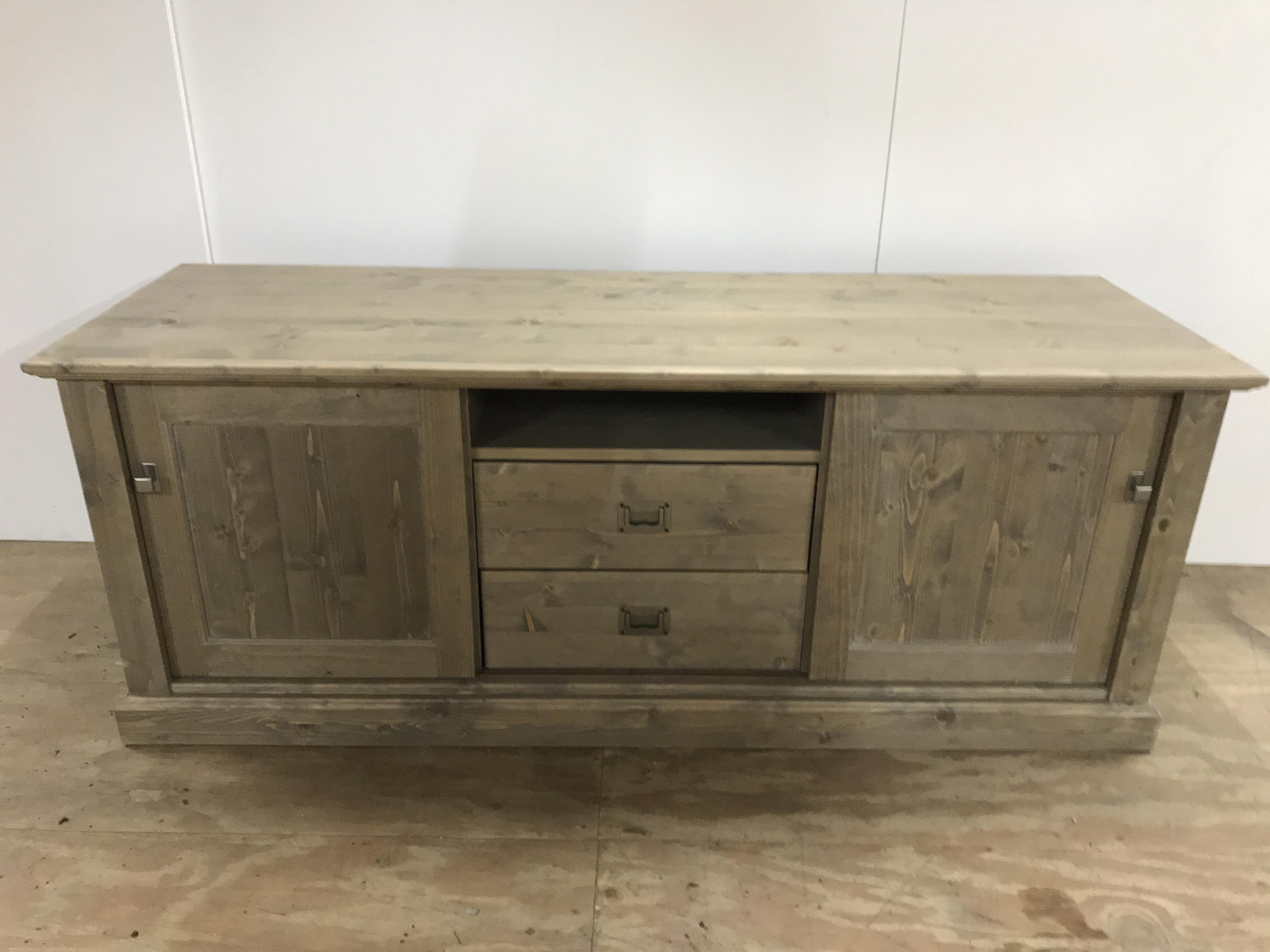 Kasten en dressoirs uitverkoop bij voorbood outlet rotterdam for Uitverkoop meubelen
