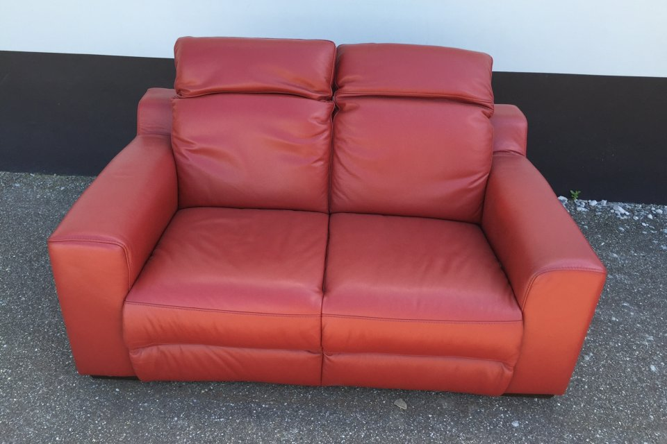 Bank htl domicil rood uitverkoop for Uitverkoop meubelen